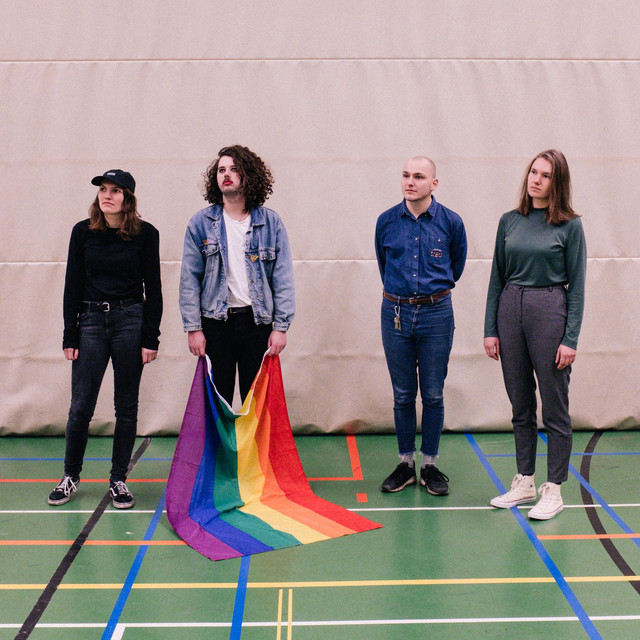 Charlie & the lesbians