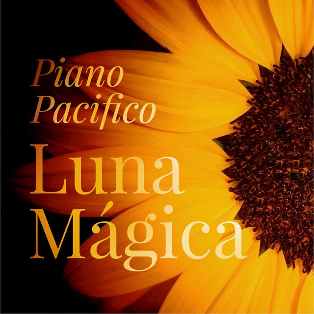 Album cover for Luna Mágica by Piano Pacifico