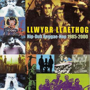 Album cover for Curiad Cariad by Llwybr Llaethog