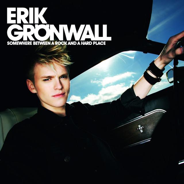 Skivomslag för Erik Grönwall: Somewhere Between A Rock And A Hard Place