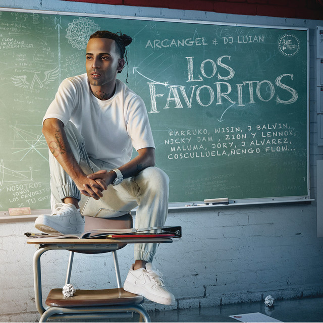 Album cover for Los Favoritos by Arcangel, DJ Luian