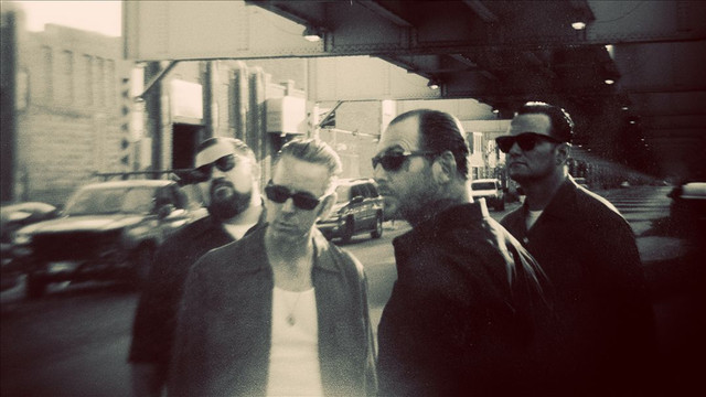 Photo Social distortion