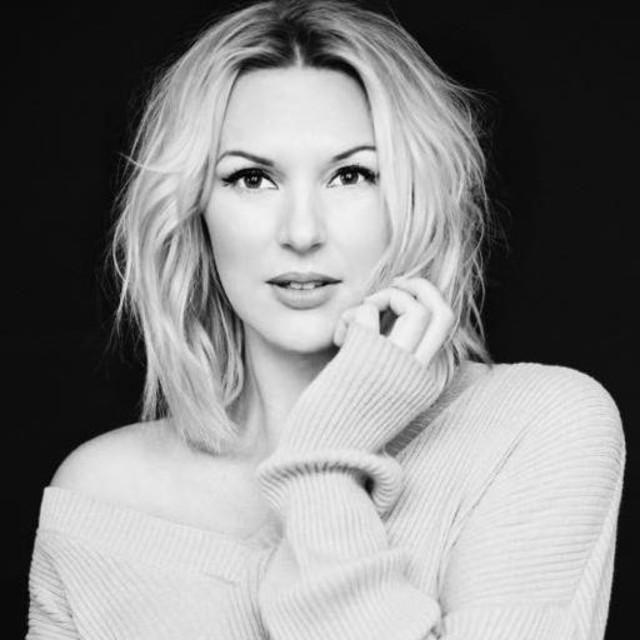 Sanna Nielsen: Sanna Nielsen On Spotify