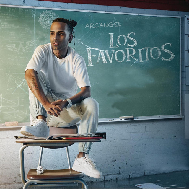 Album cover for Los Favoritos by Arcangel