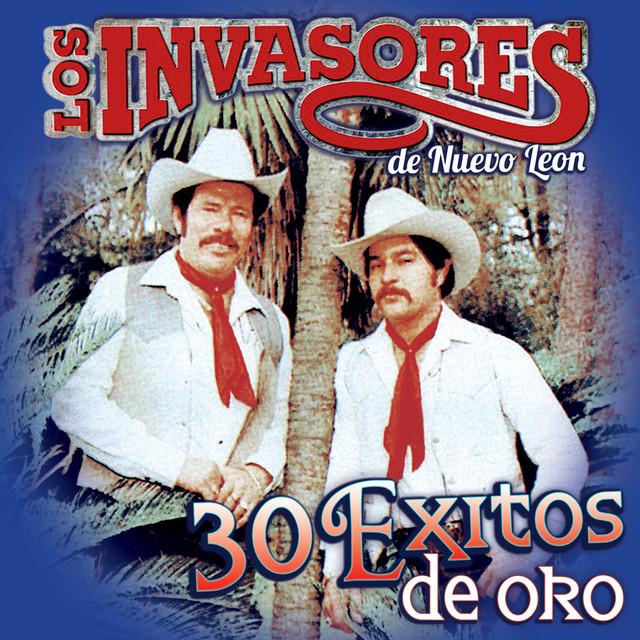 Album cover for 30 Exitos de Oro by Los Invasores De Nuevo León