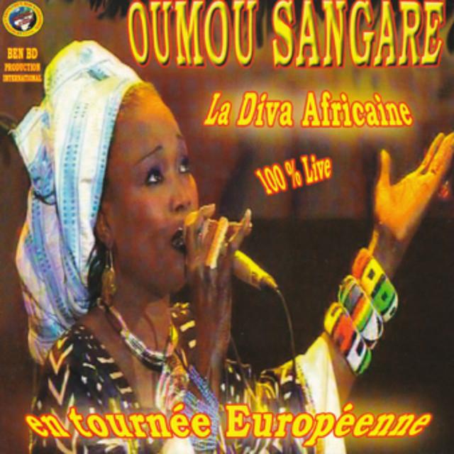 La diva africaine en tournée européenne (100% Live)