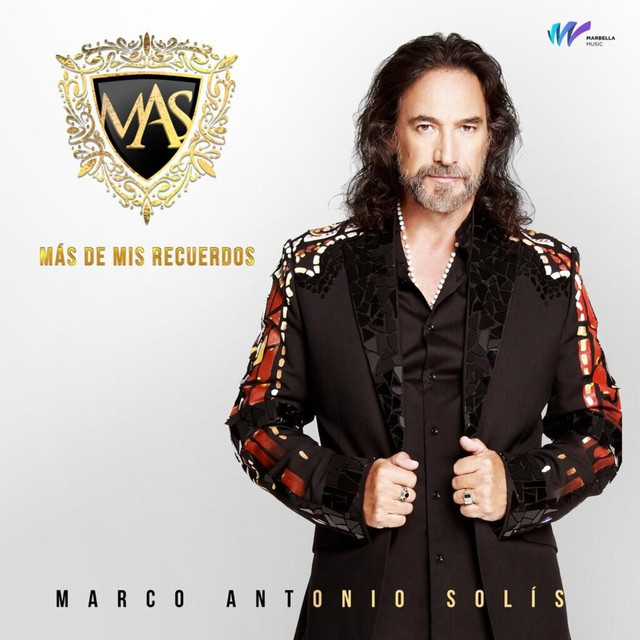 Album cover for MAS de Mis Recuerdos by Marco Antonio Solís