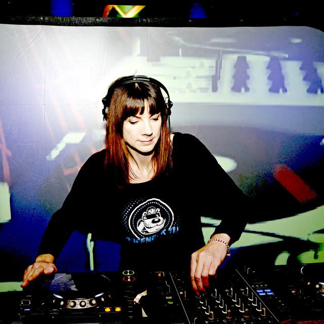 DJ DAZEE