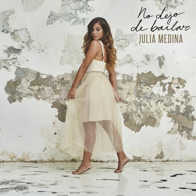 Album cover for No Dejo De Bailar by Julia Medina