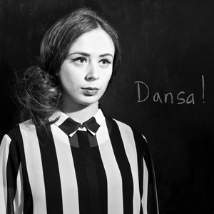 Dolly Dolores, Dansa! på Spotify