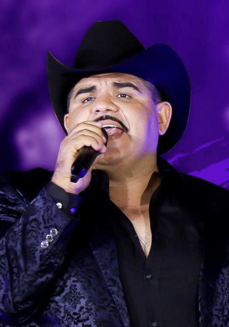 Chuy Lizarraga y Su Banda Tierra Sinaloense