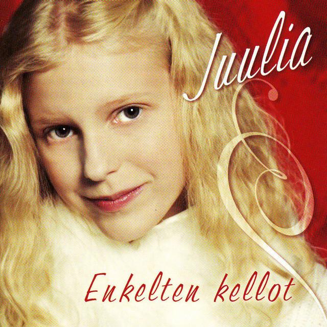 Juulia