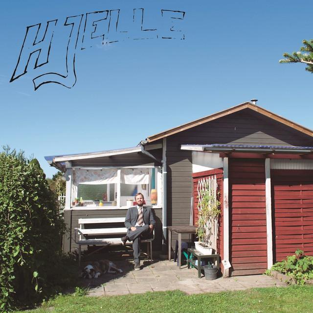 Skivomslag för Hjelle: Högst Medelmåttig