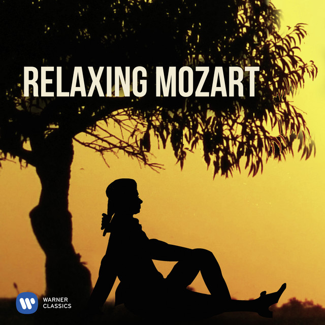 Album cover for Relaxing Mozart by Wolfgang Amadeus Mozart, Various Artists