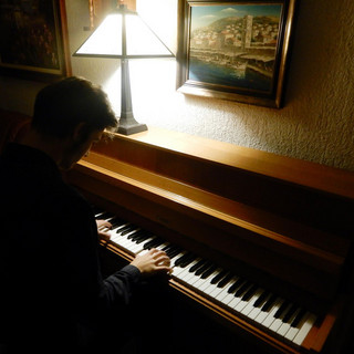 The Lonely Pianist