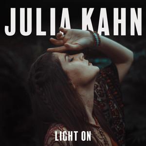Julia Kahn – Light On (Studio Acapella)