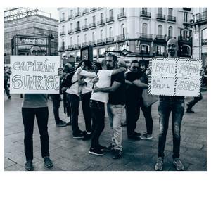 Abrazos gratis en la Puerta del Sol