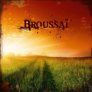 Bouche à oreille by Broussaï