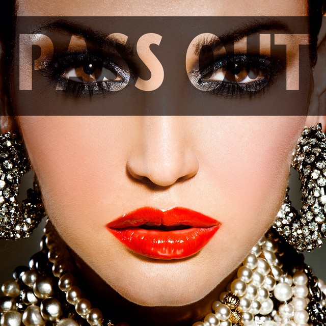 Pass out (feat. Timbaland)