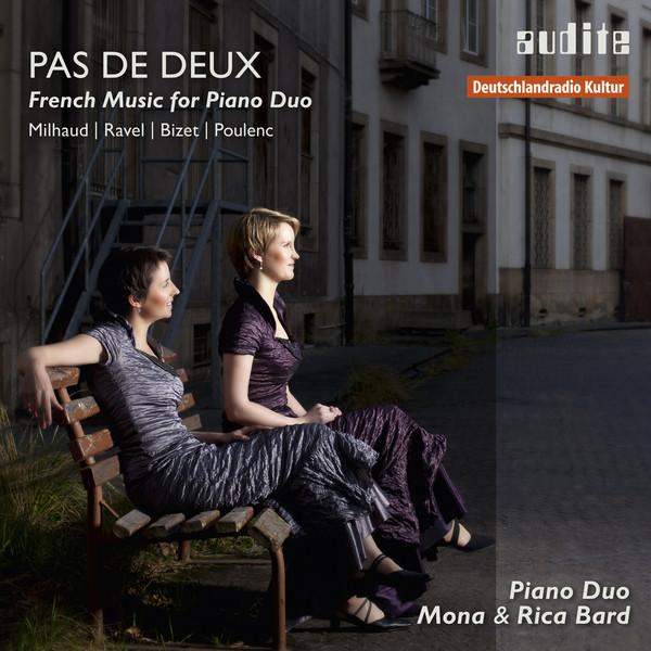 Pas de deux - French Music for Piano Duo (Milhaud: Scaramouche, suite pour deux pianos op. 165b - Ravel: Rapsodie espagnole - Bizet: Jeux d'enfants, Op. 22 - Poulenc: Sonate pour deux pianos & Élégie)