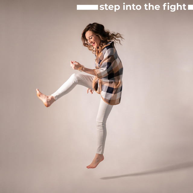 Hannah Schaefer - Step Into The Fight