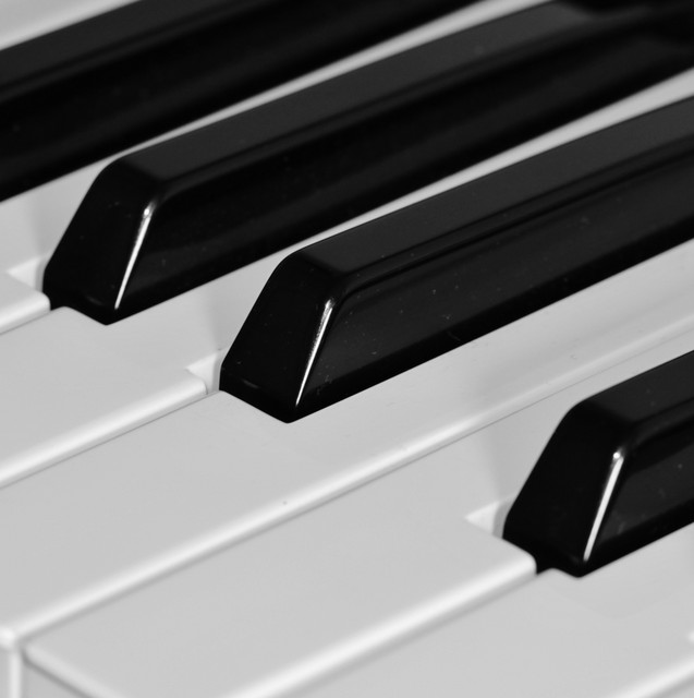 """""""30 Essential Piano Tracks for a Relaxing & Romantic Ambience"""" by Little Magic Piano"""