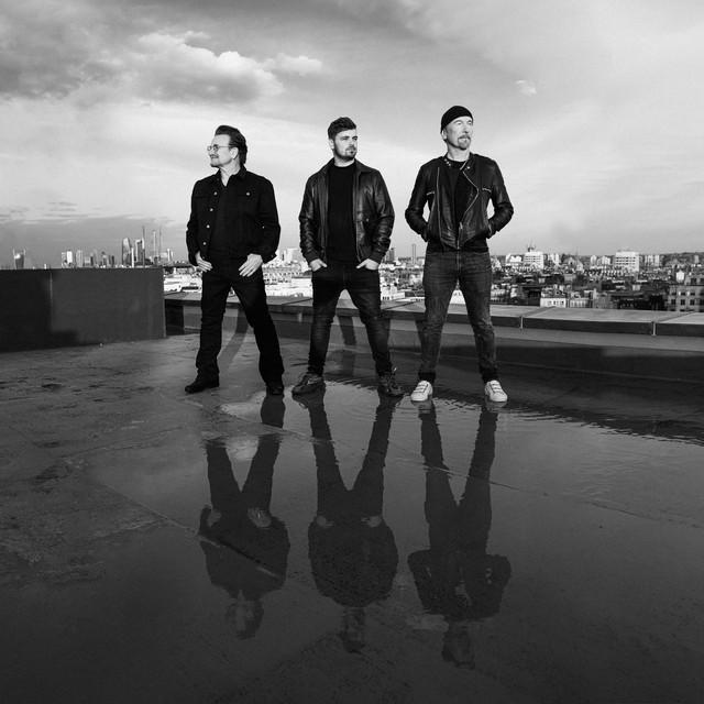 Pochette de Martin Garrix, Bono, The Edge, Bono & The Edge - We Are The People (feat. Bono & The Edge) (Official UEFA EURO 2020 Song)