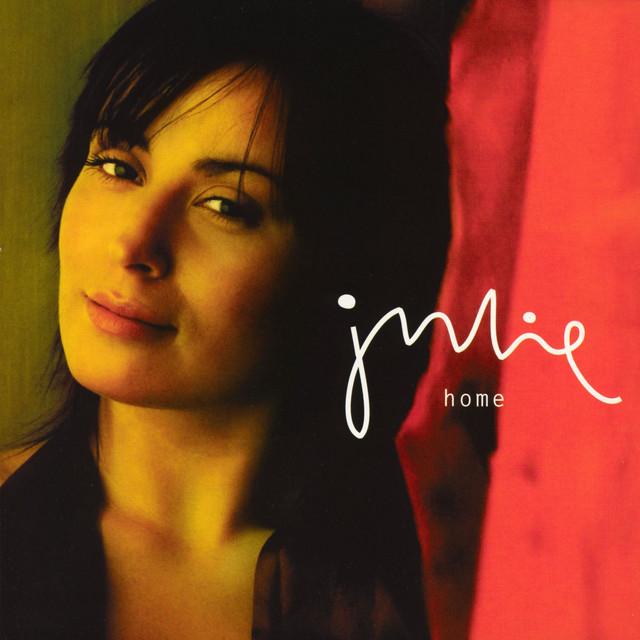 Julie – Home
