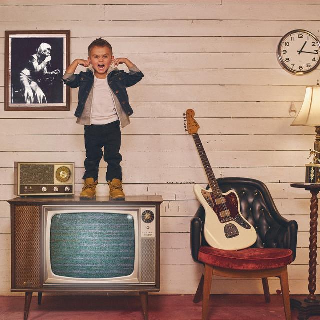 Regarde maman I'm on the TV ! Image