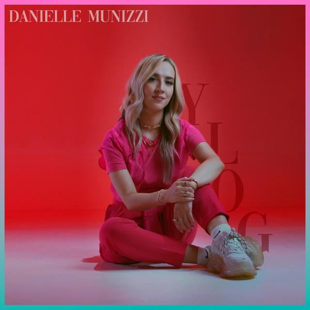 Danielle Munizzi - YLOG (Medley)