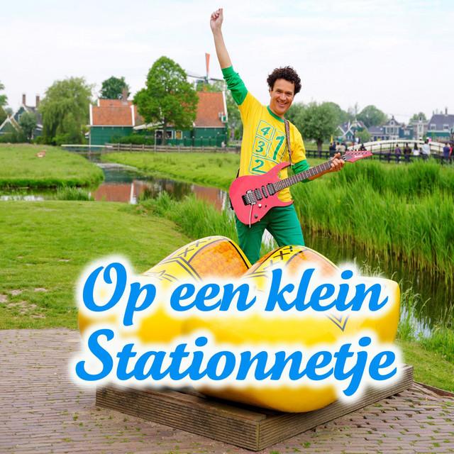 Op Een Klein Stationnetje by Dirk Scheele
