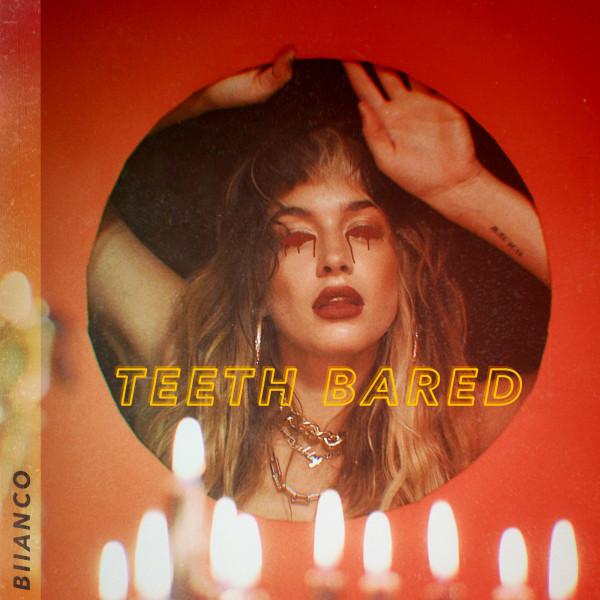 teeth bared Image
