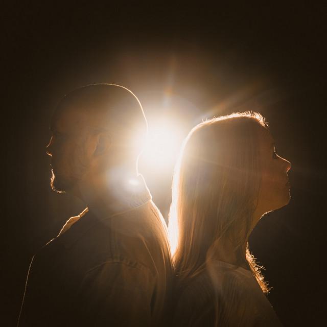 Jonathan and Emily Martin - The Light Has Come