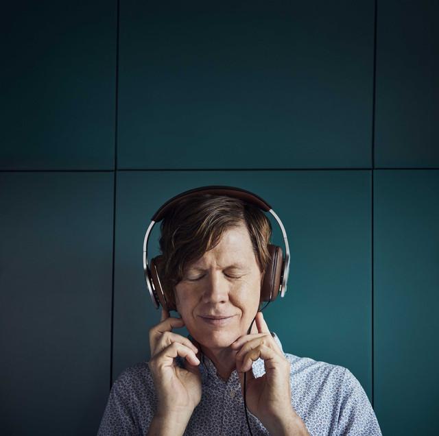 Tracks that sound great on headphones