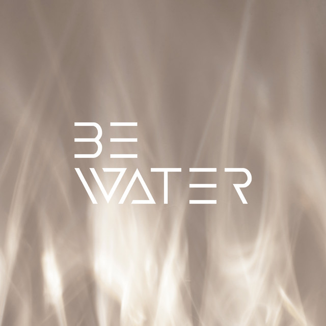 BE WATER lamp
