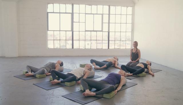 IDM TV Yin Yoga 45min
