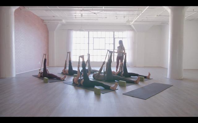 IDM TV Gentle Yoga 30min