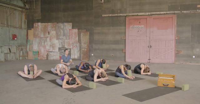 IDM TV Yin Yoga 30min