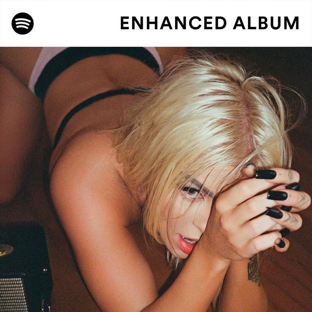 Luisa Sonza presents DOCE 22, the Enhanced Album