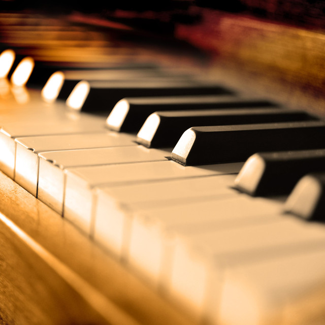 Relaxing Piano Covers on Spotify