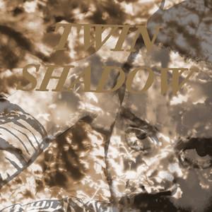 Copertina di Twin Shadow - Castles In The Snow