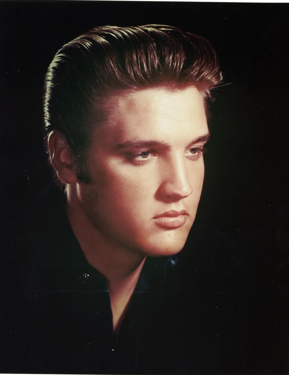 Elvis blonde pictures, aj alexander naked videos