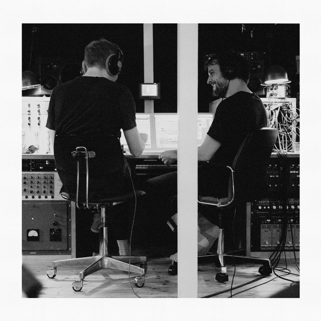 Album cover for Trance Frendz by Ólafur Arnalds, Nils Frahm