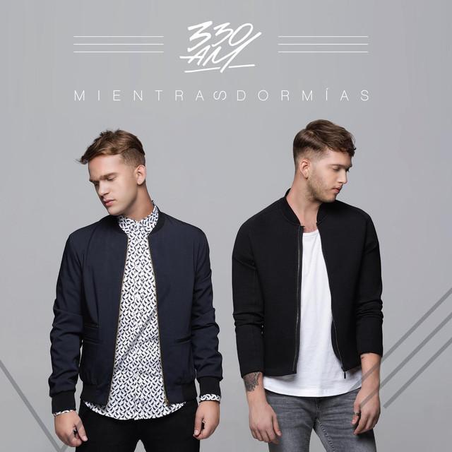 Album cover for Mientras Dormías by 330am