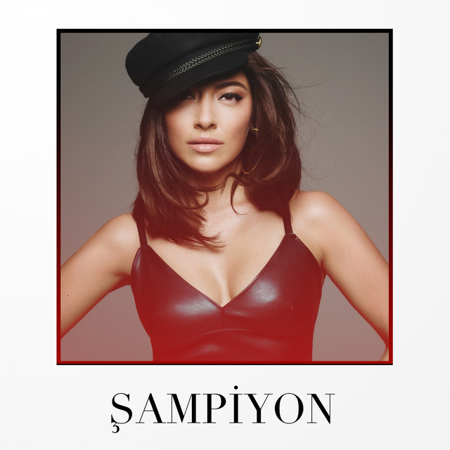 Album cover for Şampiyon by Hadise