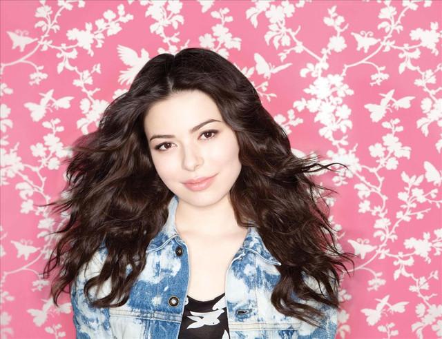 Miranda Cosgrove Picture