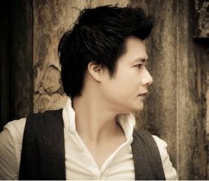 Andere Alben von <b>Quang Dung</b> - dc720f5a383e686e741429a40c9b243390c856ea