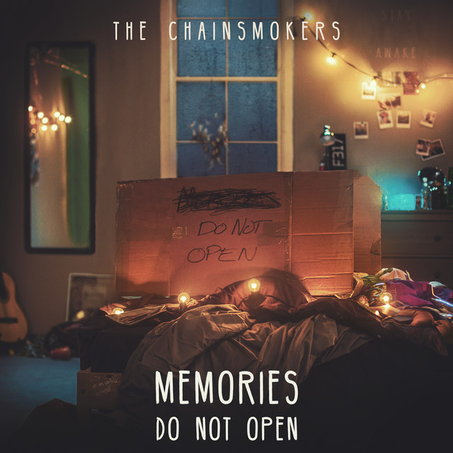 Skivomslag för Chainsmokers: Memories... Do Not Open