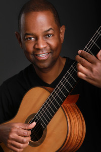 Picture of Earl Klugh