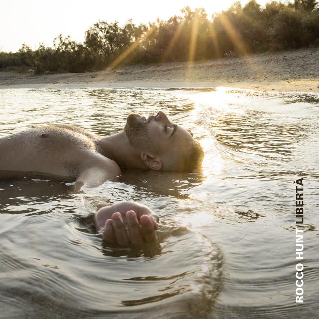 Album cover for Libertà by Rocco Hunt